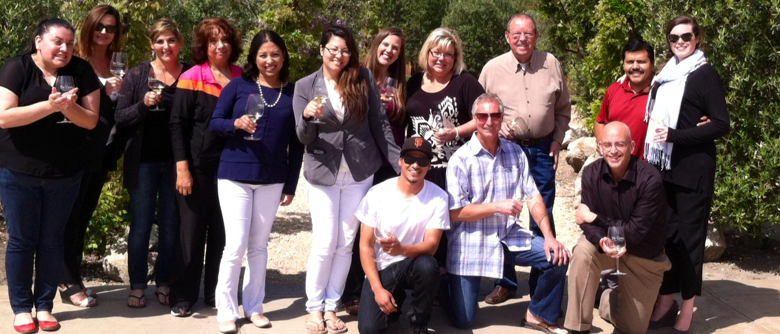 Management-staff-at-De-Tierra-Vineyard-2